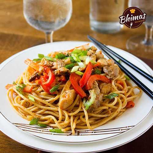Chicken Schezwan Rice/Noodles